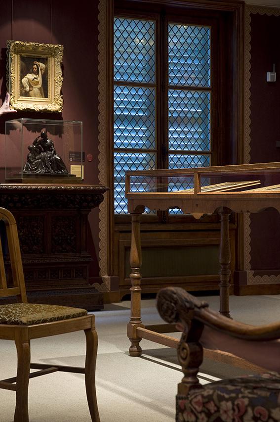 Le Giaour par Ary Scheffer (réduction de l'oeuvre présentée au Salon de 1833), Émeline, La Lecture par Dantan l'Aîné (bronze, XIXe siècle), Carole. 2012. Musée de la Vie romantique/Paris Musées-Musée de la Ville de Paris