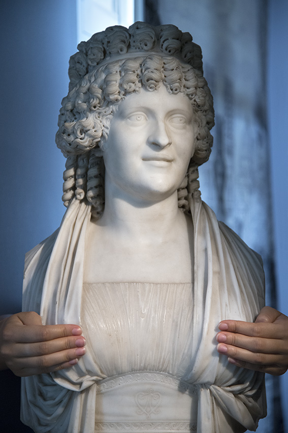 Buste de Marie-Louise Perrette Aglaé Bontemps, comtesse de la Châtre, plus tard marquise de Jaucourt de Chinard, Line. Paris, Musée Cognacq-Jay. 2016