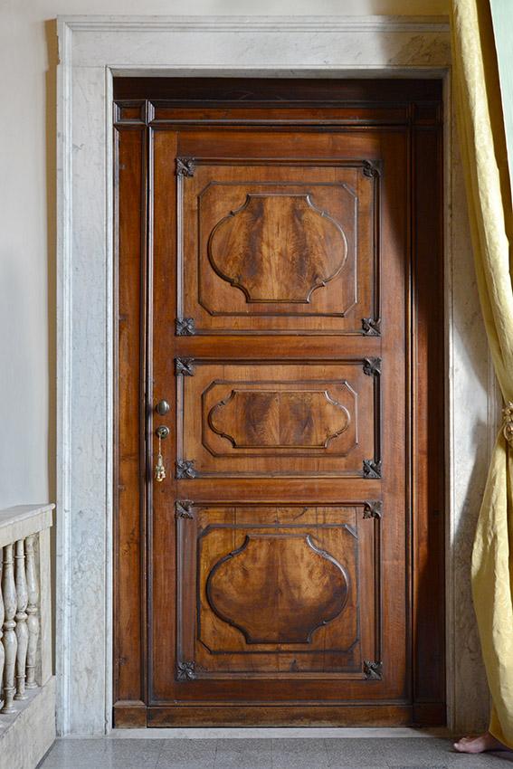 Porte ancienne en bois massif, Françoise. Villa del Principe, Palais d'Andrea Doria, appartements privés, 2016