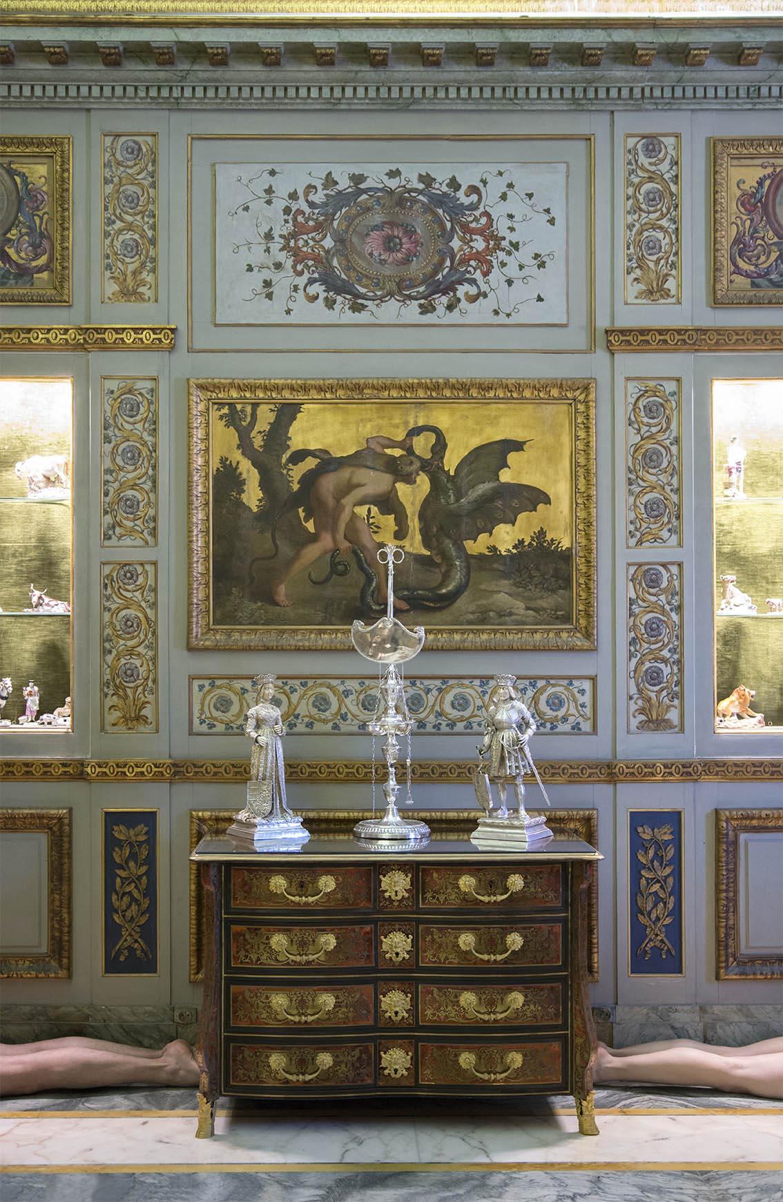 Commode Mazarine en marqueterie Boulle d'époque Louis XIV, Carole, paire de statuettes en argent et ivoire sculpté comprenant Philippe Le Beau et la Reine Jeanne La Folle, Alexandre. Palais Princier de Monaco. 2018