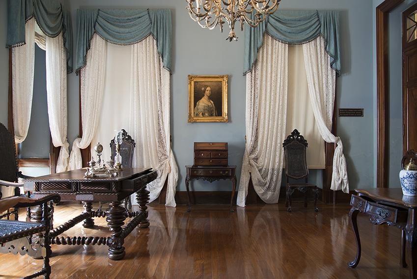 Retrado da Princesa Maria Amélia (cerca de 1849) por Fiedrich Dürck (1809-1884), Ada, colecção de mobiliário do século XIX. Museu Imperial/Ibram/MinC/2015