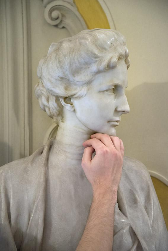 Buste d'Emily Pelham Clinton (1863-1919), épouse d'Alfonso Doria Pamphilj, par Pietro Canonica, 1904, Julien. Palais Doria Pamphilj, appartements privés, 2016