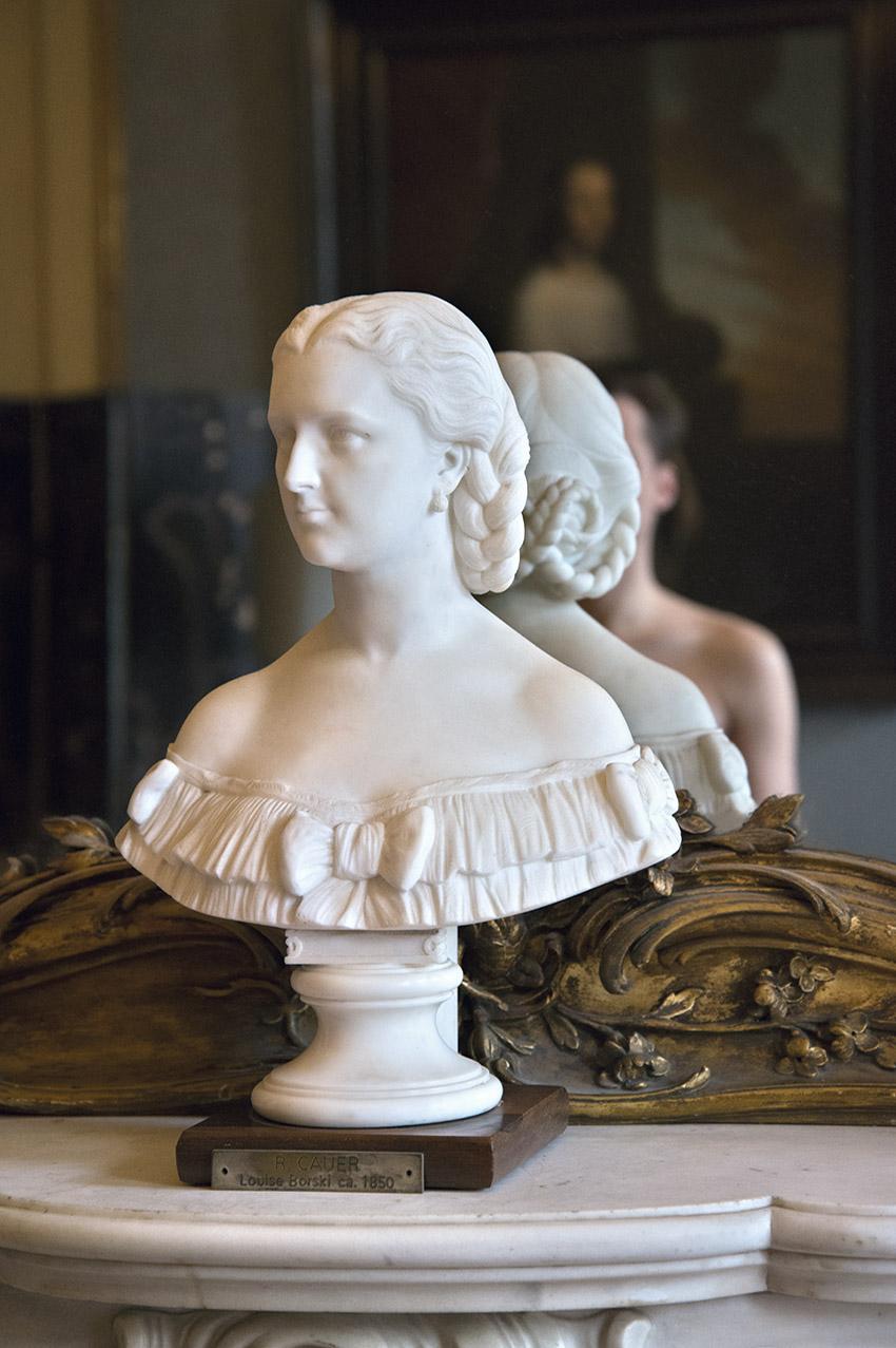 Buste of Louise van Loon – Borski by Robert Cauer, (3rd quarter 19th century), Julien. Museum Van Loon. 2018