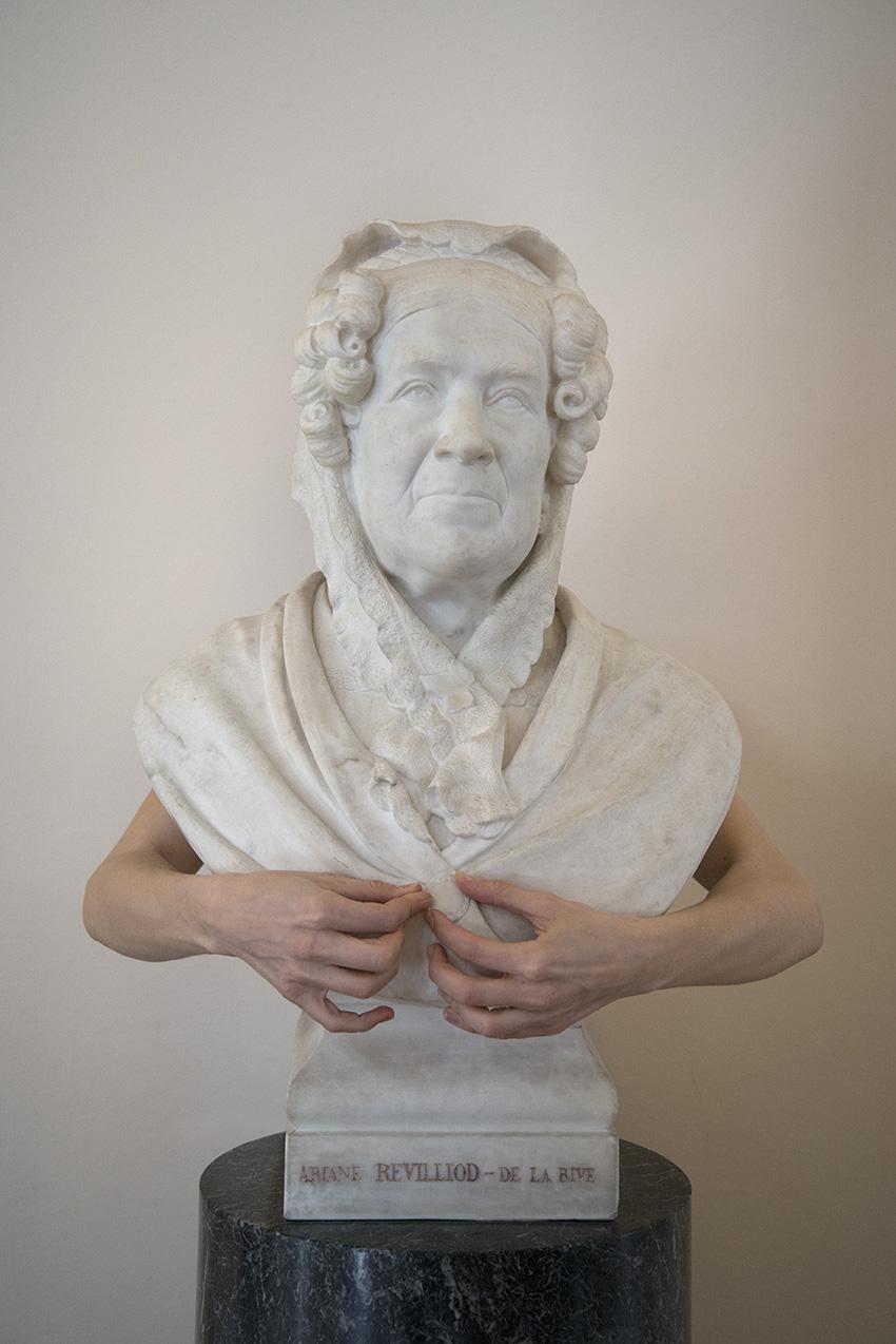 Buste en marbre d'Ariane Revilliod-De La Rive (1868) de Frédéric Dufaux, Carole. Musée Ariana, Ville de Genève. 2018